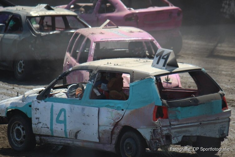 Autocross Wervershoof op Bevrijdingsdag
