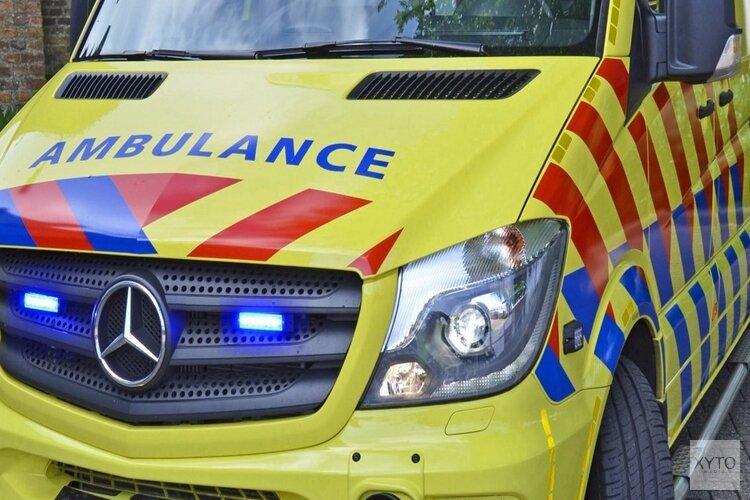 Auto te water in Wognum: bestuurder gewond