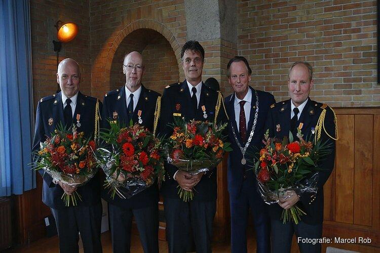 Vier brandweervrijwilligers Koninklijk geëerd