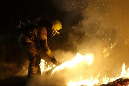 Hooistapel in brand in Andijk
