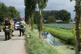 Auto te water in Hauwert